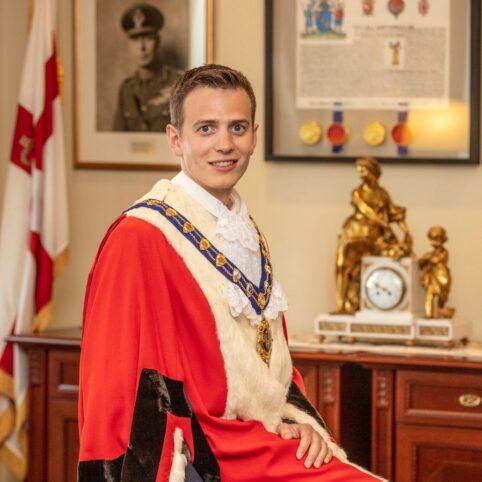 Mayor (1)